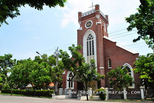 gereja st yusuf ronggowarsito